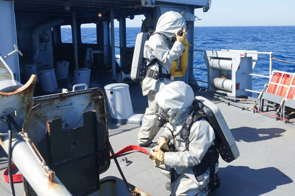 Tag strongertogether sur www.belgian-navy.be 2742