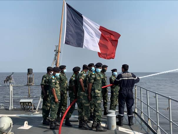 Les actualités de la Marine Française - Page 25 3012