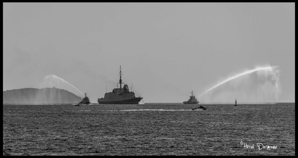 Les actualités de la Marine Française - Page 10 313