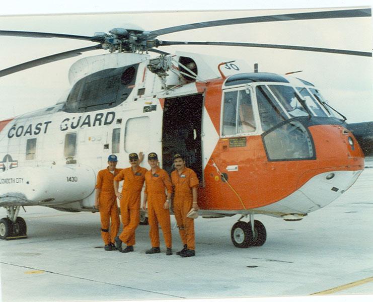 U. S. Coast Guard (garde-côtes des États-Unis) - Page 3 3303