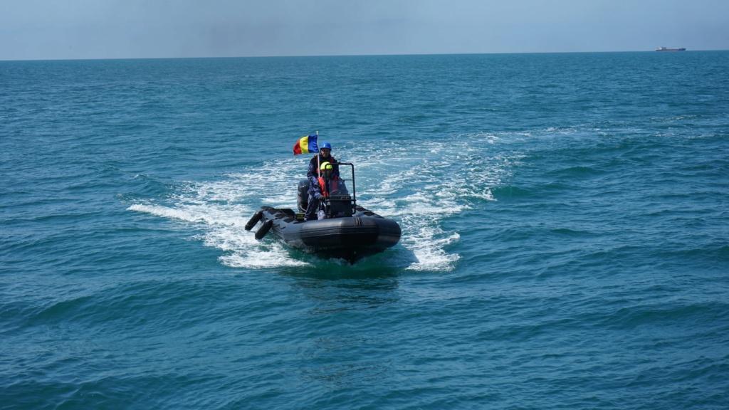 Romanian navy - Marine roumaine - Page 4 3814