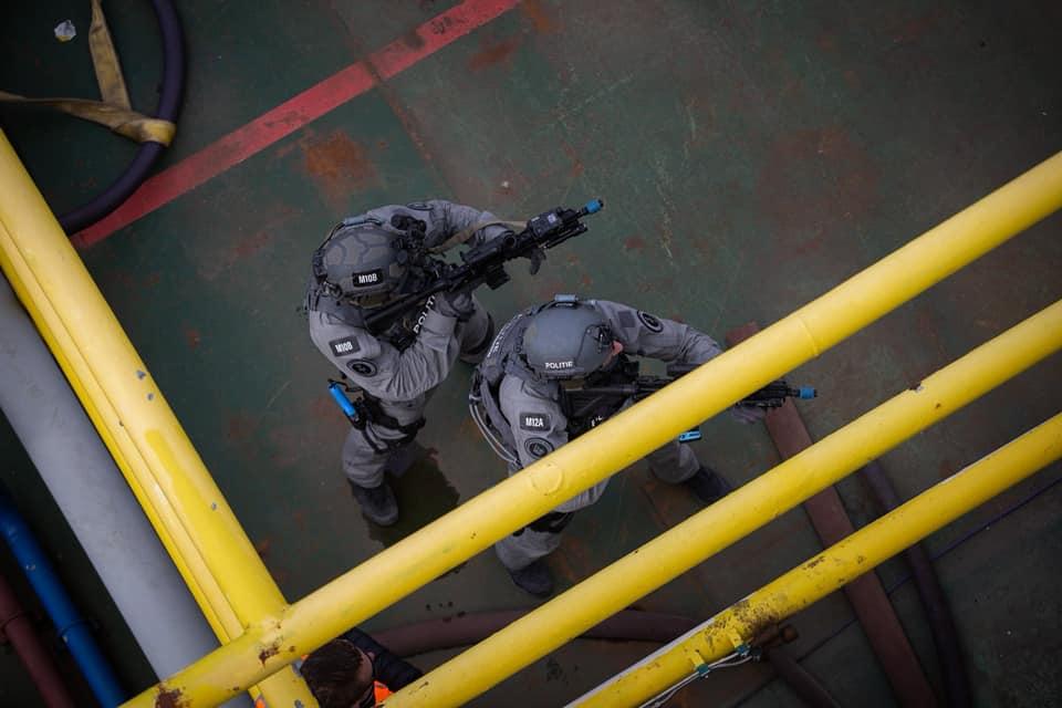 Koninklijke Marine : les news - Page 7 4106