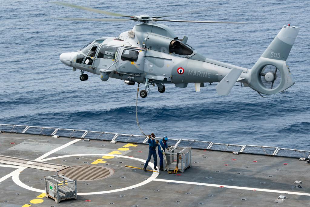 Les actualités de la Marine Française - Page 14 4122