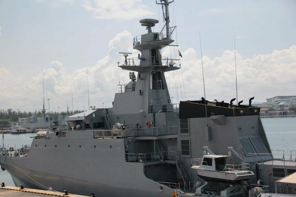 Marine royale thaïlandaise - Royal Thai Navy 413