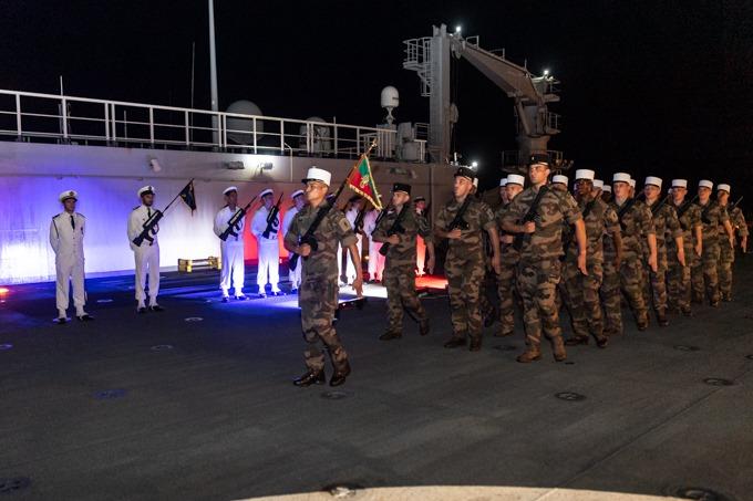 Les actualités de la Marine Française - Page 16 4205