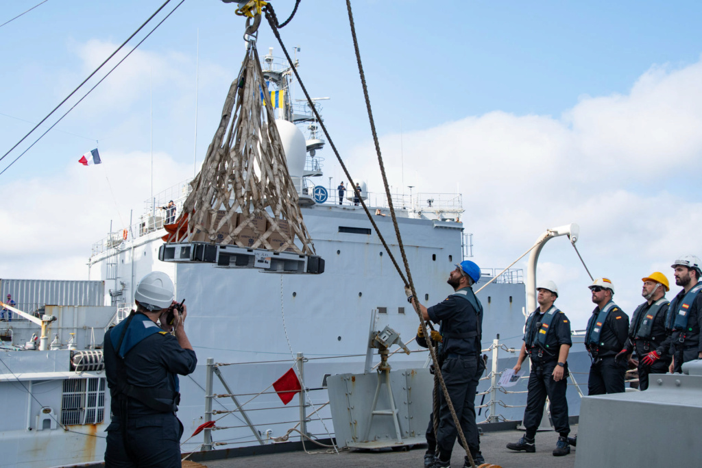 Tag strongertogether sur www.belgian-navy.be 4453