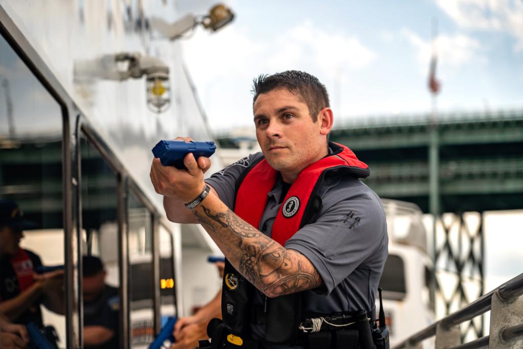 U. S. Coast Guard (garde-côtes des États-Unis) - Page 6 4471