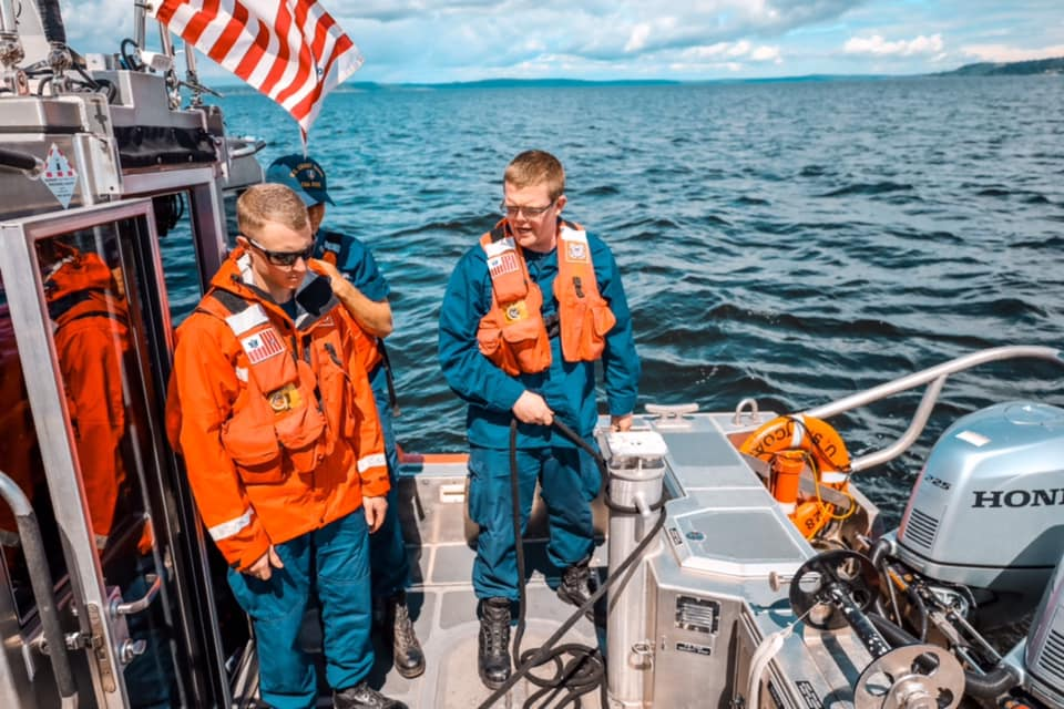 U. S. Coast Guard (garde-côtes des États-Unis) - Page 7 4478