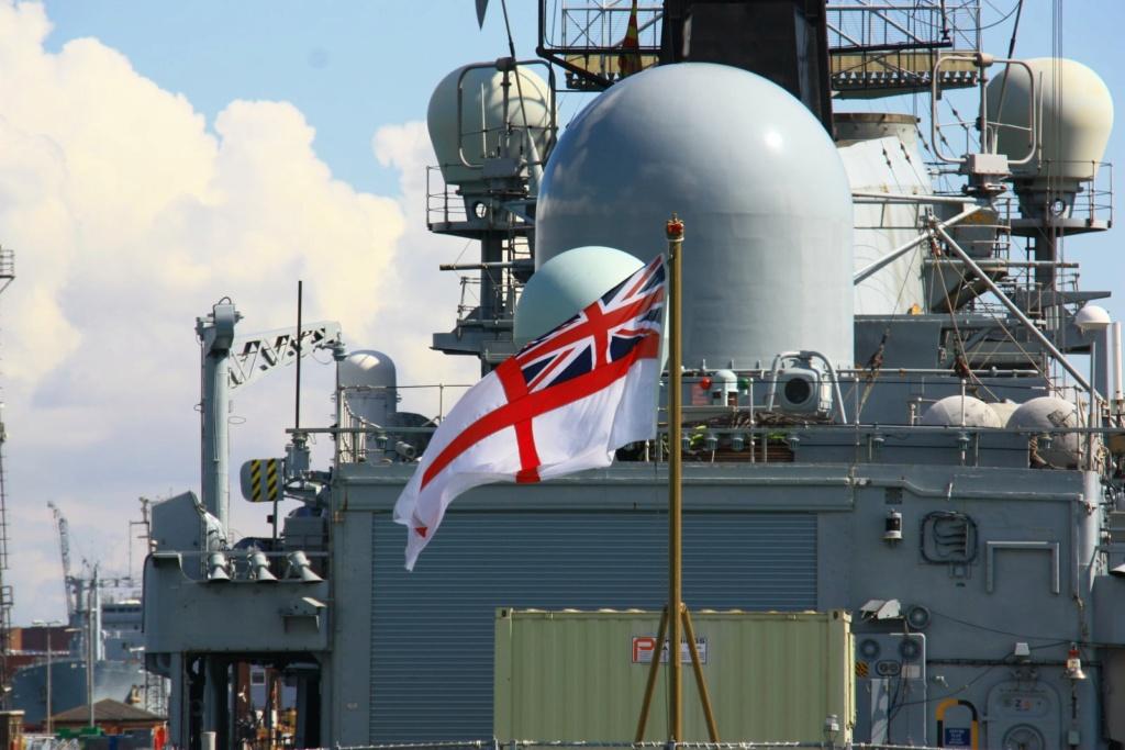 Royal Navy : les news - Page 8 492