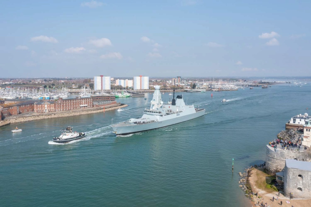 Royal Navy : les news - Page 11 5156