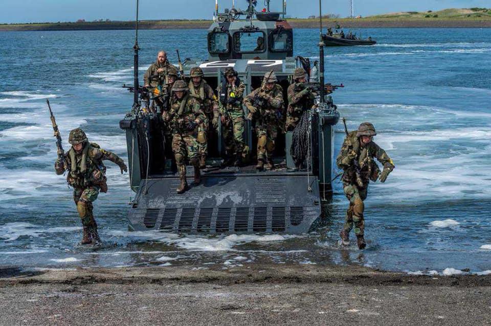 Koninklijke Marine : les news - Page 8 5337
