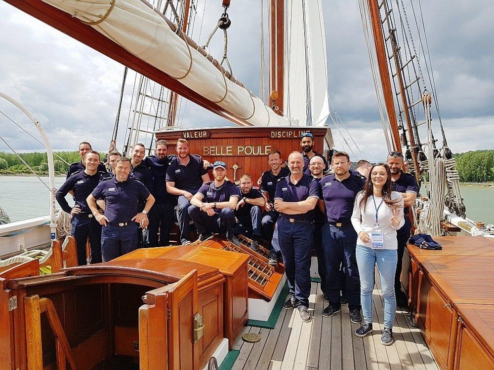 Les voiliers école de la Marine nationale - Page 2 5363