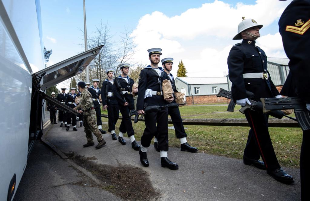 Royal Navy : les news - Page 8 558
