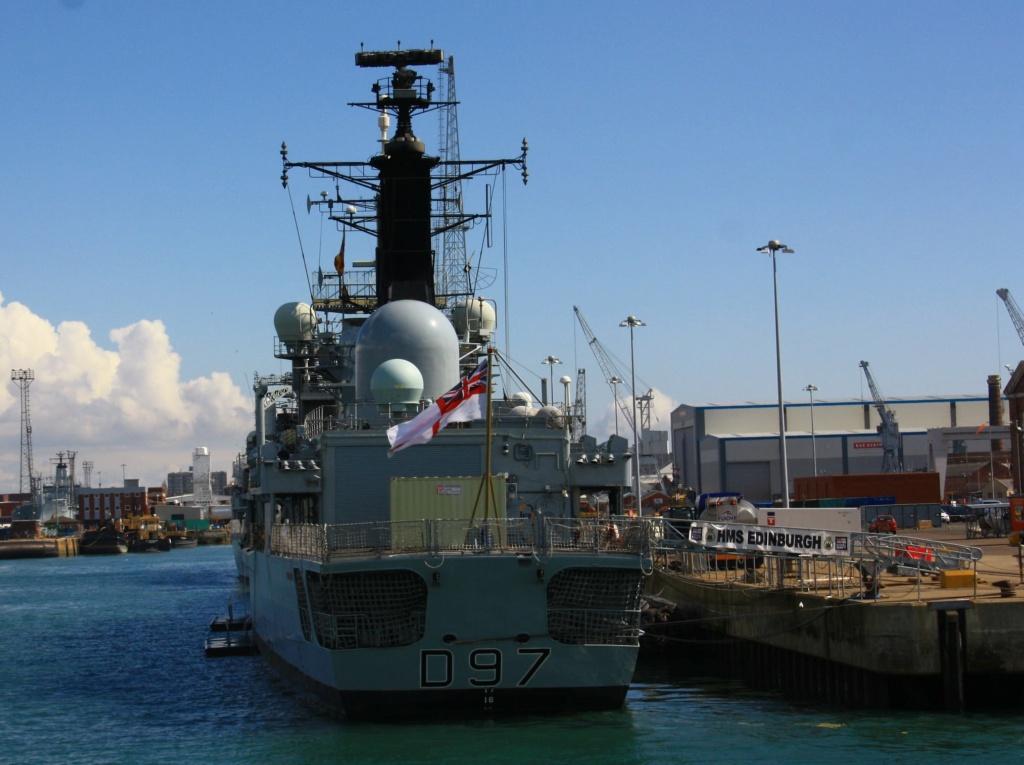 Royal Navy : les news - Page 8 565