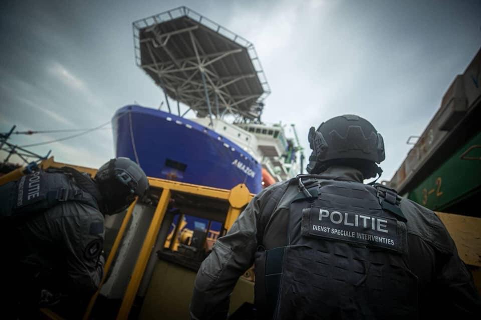Koninklijke Marine : les news - Page 7 574