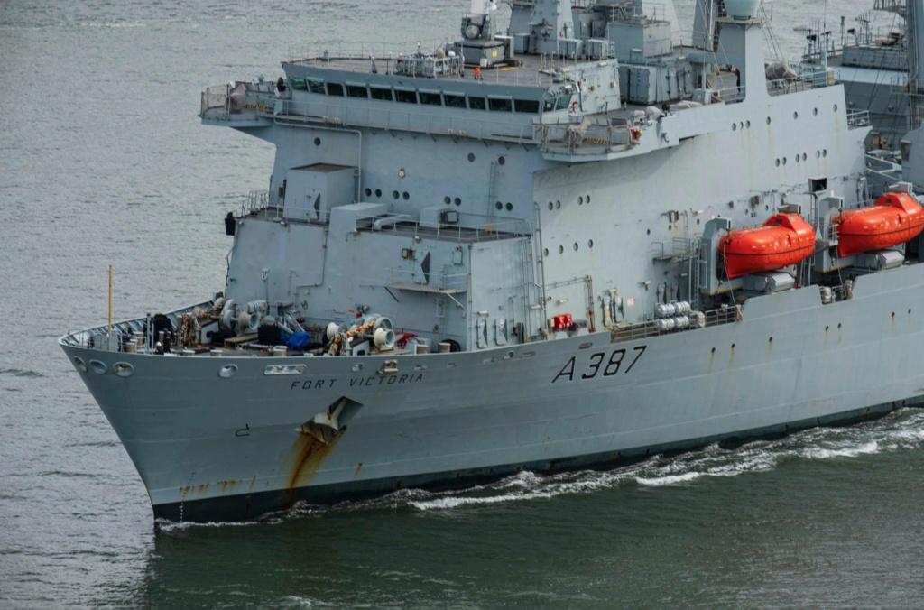 Royal Navy : les news - Page 8 578