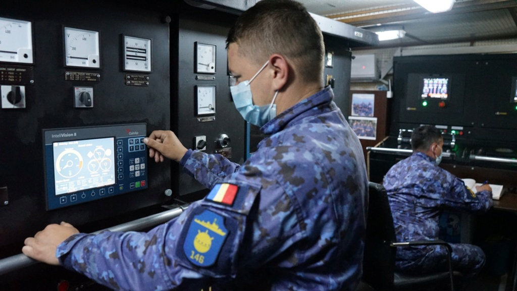 Romanian navy - Marine roumaine - Page 5 6011