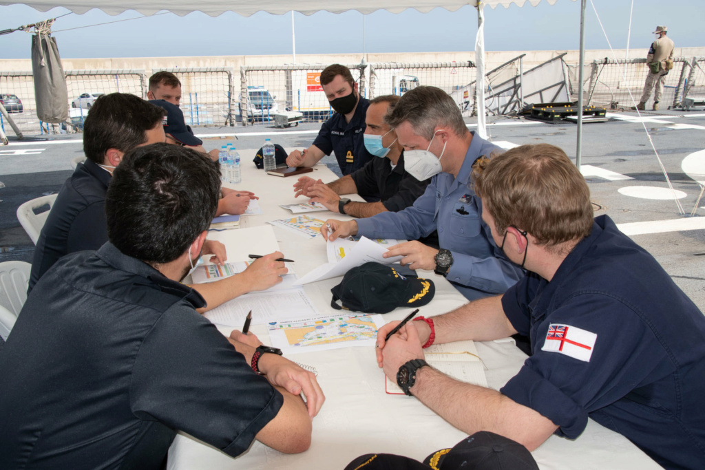 Tag strongertogether sur www.belgian-navy.be 6276