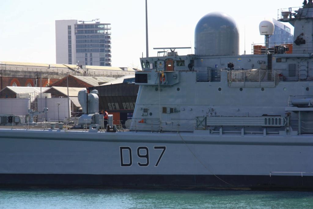 Royal Navy : les news - Page 8 655