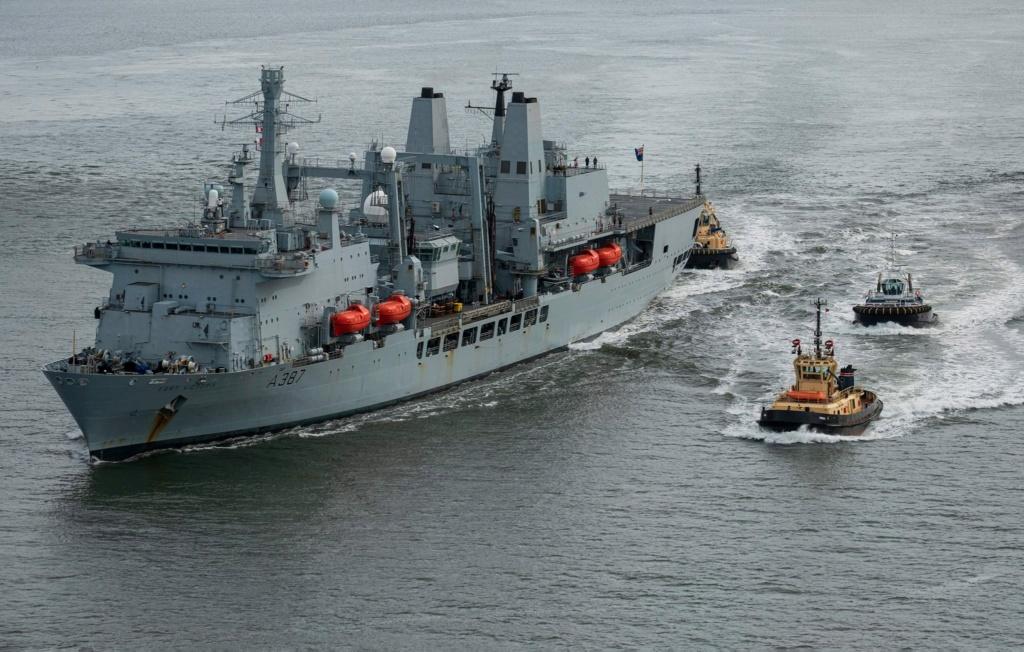 Royal Navy : les news - Page 8 667