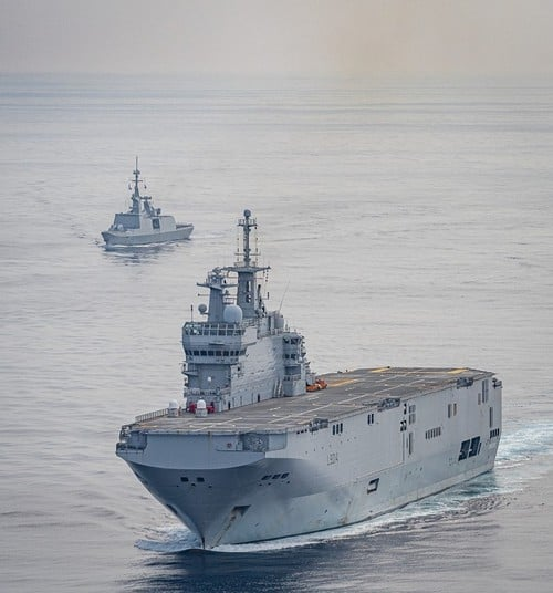BPC Mistral, Tonnerre & Dixmude - Page 6 7133