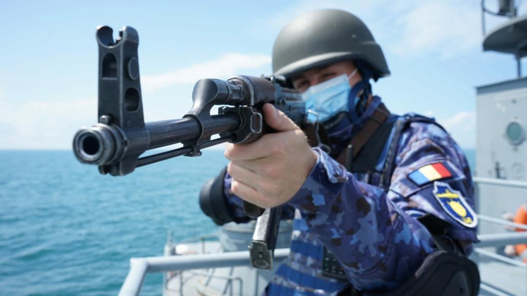 Romanian navy - Marine roumaine - Page 4 7158