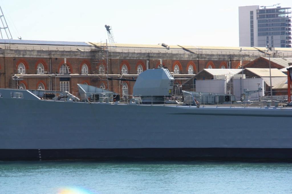 Royal Navy : les news - Page 8 743