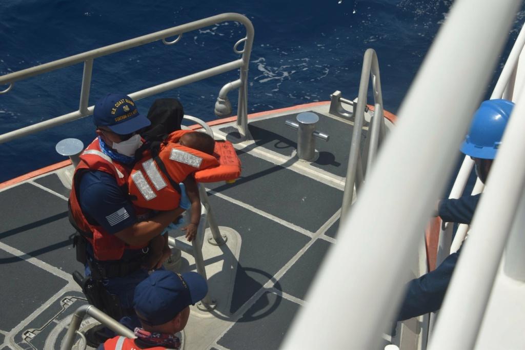 U. S. Coast Guard (garde-côtes des États-Unis) - Page 3 793