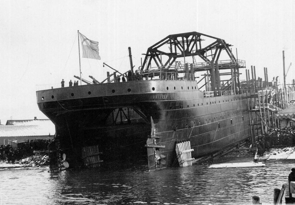 les plus vieux navires de guerre toujours en activités 8152