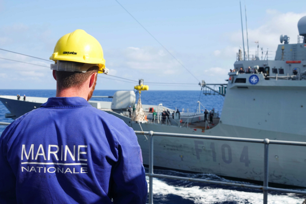 Tag strongertogether sur www.belgian-navy.be 8192