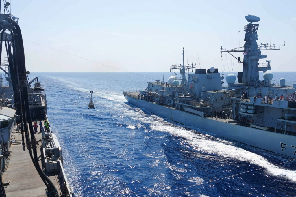 Tag strongertogether sur www.belgian-navy.be 9161
