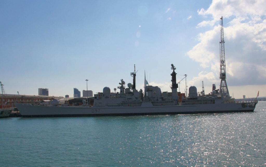 Royal Navy : les news - Page 8 938