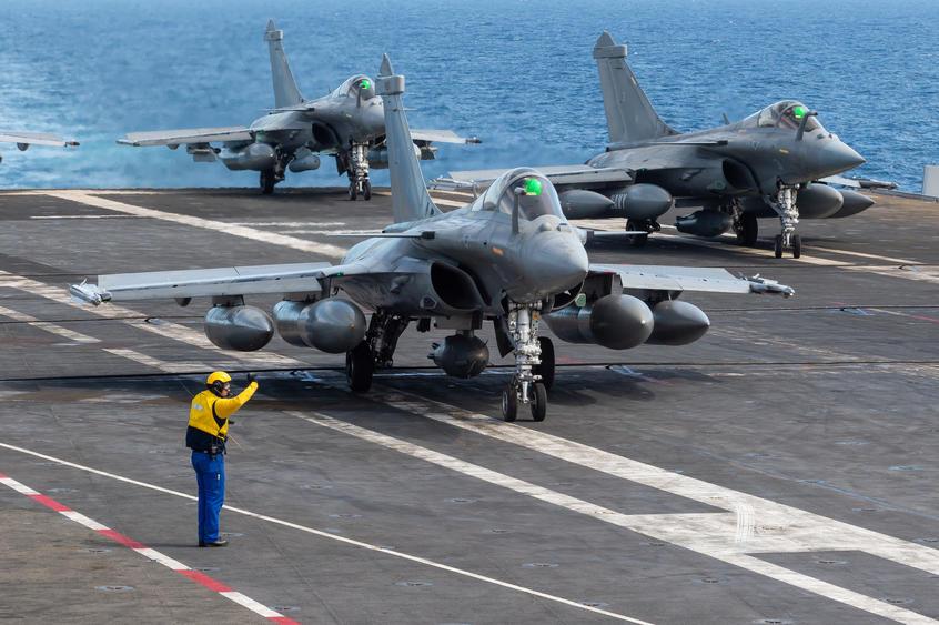 Les actualités de la Marine Française - Page 17 969