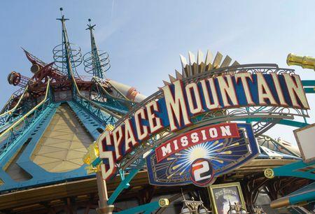 Les Anecdotes Sur Le Parc Space-12