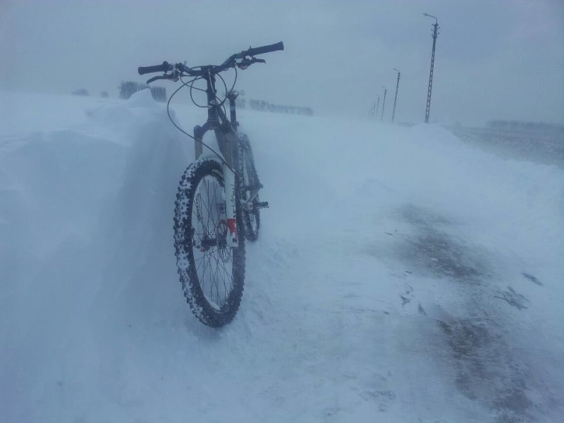 Même pas peur de la neige... Vtt210