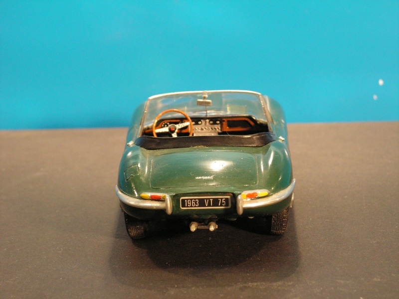 Jaguar E-Type Serie 1 Roadster von Heller in 1:24 E-type14