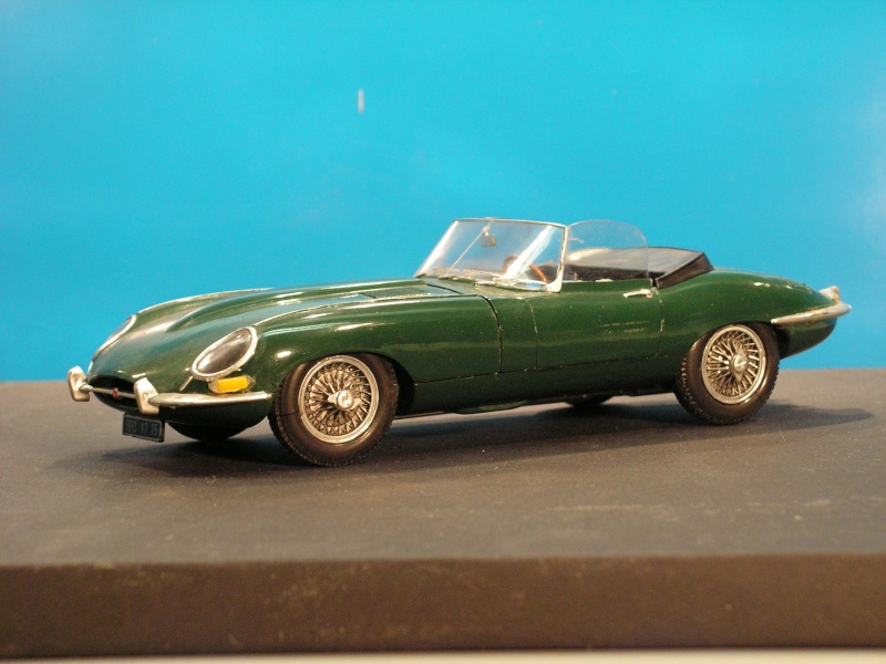 Jaguar E-Type Serie 1 Roadster von Heller in 1:24 E-type15