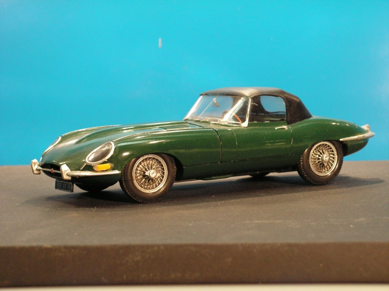 Jaguar E-Type Serie 1 Roadster von Heller in 1:24 E-type16
