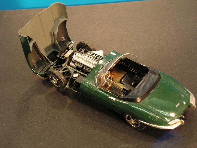 Jaguar E-Type Serie 1 Roadster von Heller in 1:24 E-type17