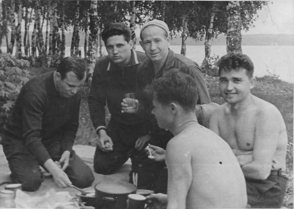 Alexei Léonov (1934-2019) - Page 2 Leonov12