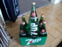 un 6 pack 7 up 750 ml Dsc00331