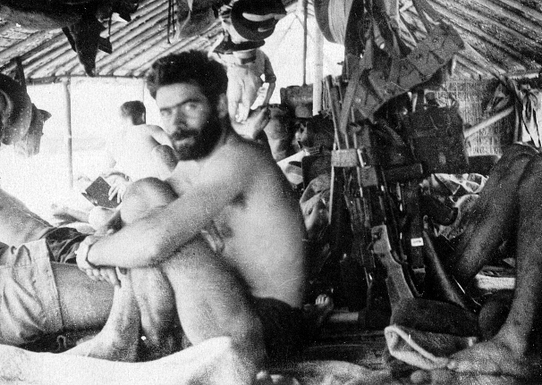 qui se souvient des 4 cdos Hoa Hao du Capitaine Charvet 1947/1948 ? 28-des10