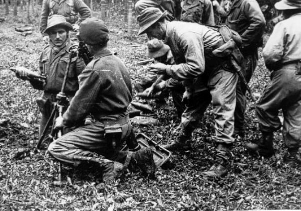 qui se souvient des 4 cdos Hoa Hao du Capitaine Charvet 1947/1948 ? 38-19410