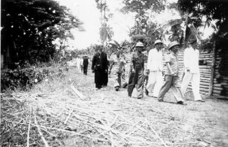 qui se souvient des 4 cdos Hoa Hao du Capitaine Charvet 1947/1948 ? 60_jac10
