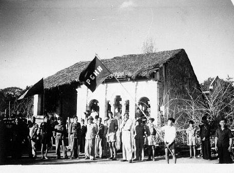qui se souvient des 4 cdos Hoa Hao du Capitaine Charvet 1947/1948 ? 61-19410