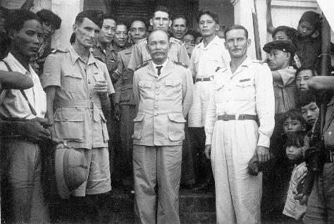 qui se souvient des 4 cdos Hoa Hao du Capitaine Charvet 1947/1948 ? 62-sou10