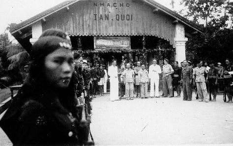 qui se souvient des 4 cdos Hoa Hao du Capitaine Charvet 1947/1948 ? 65-19410