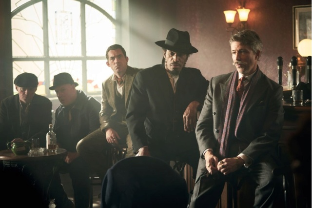 Peaky Blinders, saison 5 - Page 2 P610