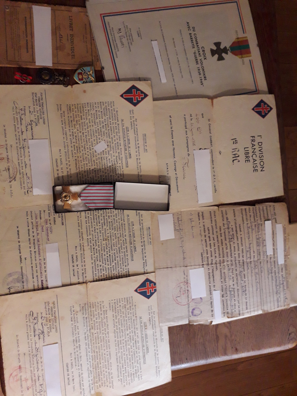 Papiers d'engagements, diplome , medaille du grand père 20181119