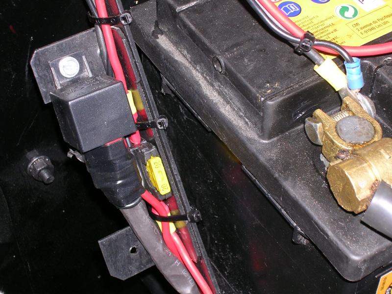 Besoin d'aide en électricité... Dscn4818